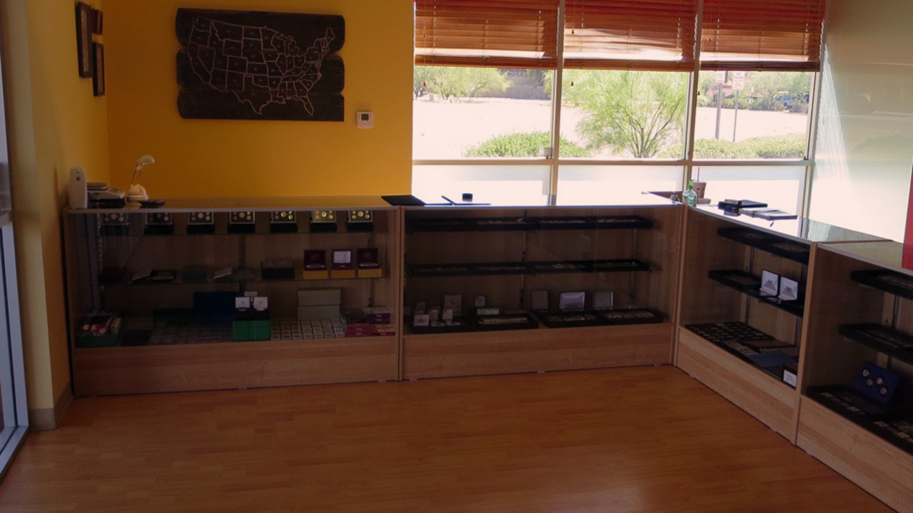 inside-phoenix-coin-shop-4